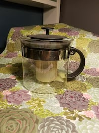 Modern Tea pot, stained steeper from use Catonsville, 21228