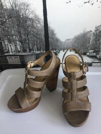 Coach Sandals Platform Shoes. Size 7. Burnaby, V5C 2J9