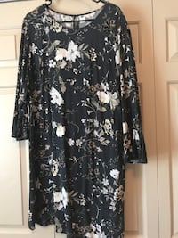 Black and white floral scoop-neck dress old Navy Fairfax Station, 22039