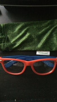Fake glasses red and blue very good condition  Montréal, H9H 4W9