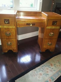 Antique Makeup  Table/ Dresser Toronto, M2R