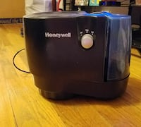 black and blue Honeywell humidifier