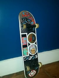 Plan b black and gold skateboard  Georgetown, L7G 4S4