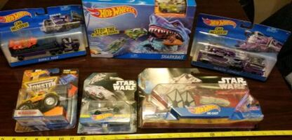 Hot Wheels Star Wars Die Cast Toy Cars Monster Jam Ramps Big Rigs Toy