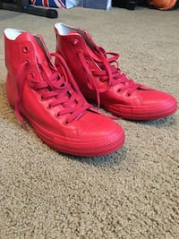 Water resistant all-red chuck Taylor's sz10 Springfield, 22153