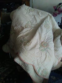 Pink and white coverlet,queen size, Wappingers Falls, 12590