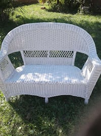 wicker white loveseat Jacksonville, 32207
