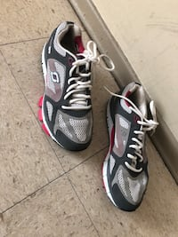 Pair of gray-and-white  running shoes size 8 Winnipeg, R2L 1P8