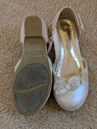 Girl shoes size 9 Ashburn, 20148
