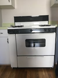 White and black gas range oven Fairfax