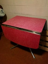 red and black wooden table Marshalltown, 50158