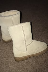 Womens Winter boots like new size 7 Sacramento, 95838