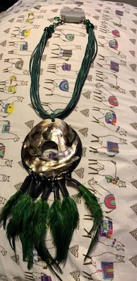 Green feather necklace 2259 mi