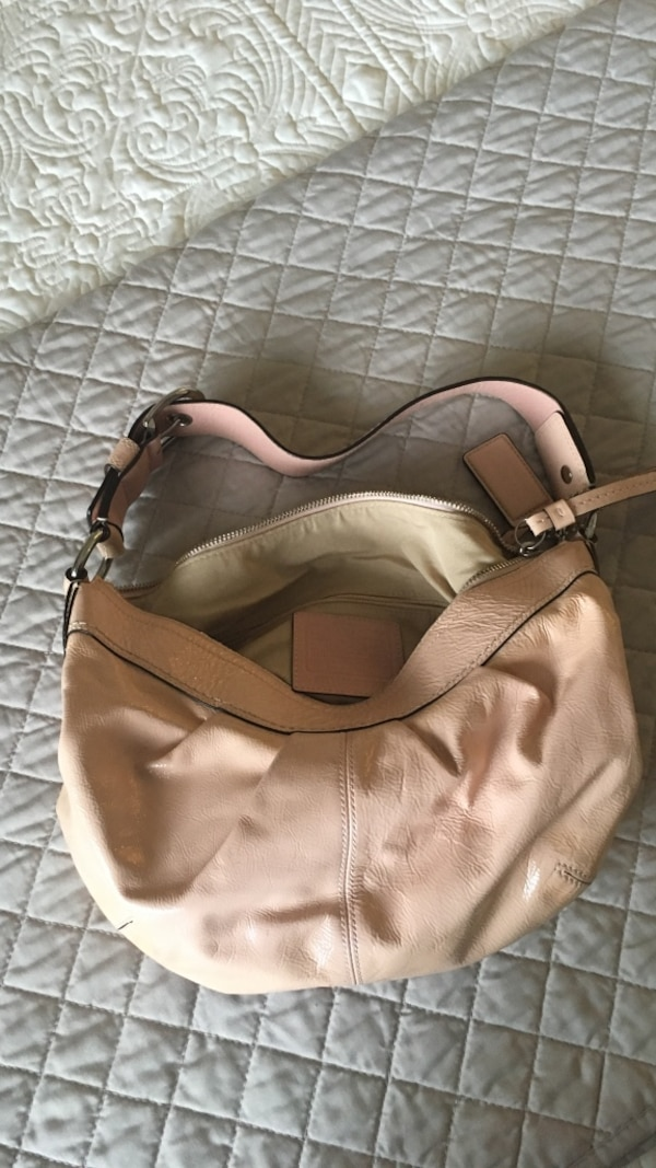 Used Coach handbag. Pink patent leather for sale in Toronto - letgo 45b6622d113e2