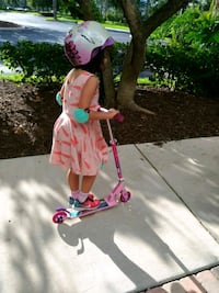 Foldable princess huffy kids scooter Fort Lauderdale, 33308