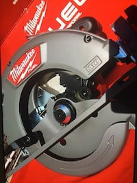 Milwaukee New Brand Circular Saw-M18 FUEL 18-Volt Lithium-Ion Brushless Cordless 7-1/4 in Nueva Los Angeles, 91343