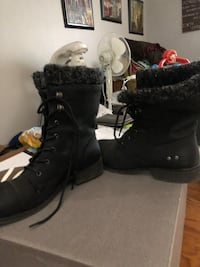 Black Lined Boots Barrie, L4M