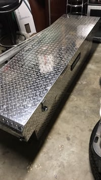 Full size truck bed box
