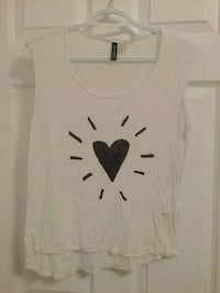 Size 6 - H&M White tank top, heart graphic