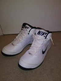 Nike White Basketball Shoes Size 13 New Montgomery Village, 20886