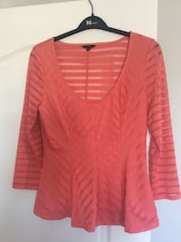 New Guess top size Large Laval, H7X 3R8