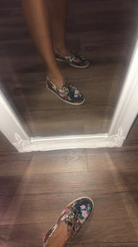 Summer Slippers(Size 8)