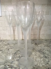 Set of 8 Wine Glasses with Frosted Stems  Markham