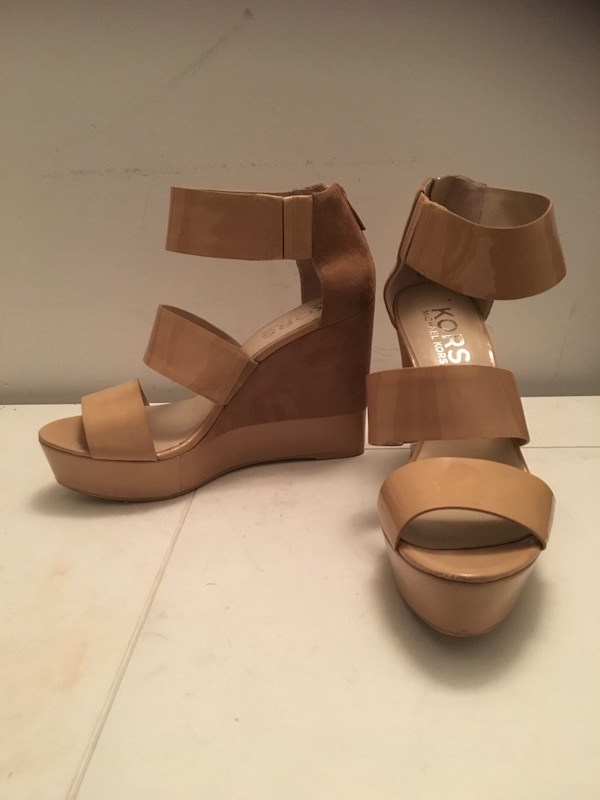 Shoes/size:10 for woman