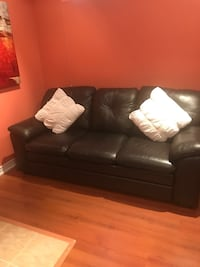 Leather couch set Brampton