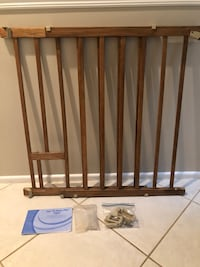Wood baby / pet gate Fairfax, 22033