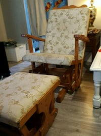 Wooden rocking chair with rocking stool Welland, L3C 4S7