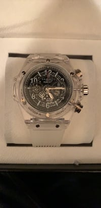 round silver chronograph watch with silver link bracelet Norcross, 30071