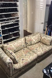 Fold out sleeper couch Dallas, 75214