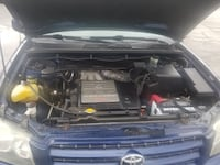 2003 TOYOTA HIGHLANDER SUV WITH 173K MILES. HAS CLEAN TITLE, 3.0L ENGINE. HAS CURRENT EMISSION AND VERY GOOD TIRES. THE SUV HAS 2 OWNERS AND ZERO ACCIDENTS.