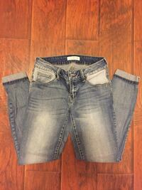 Guess Cropped Jeans Mississauga, L5G 2P2