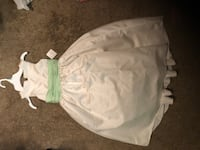 Beautiful Girls size 6 gown (white/light green) New Westminster, 80021