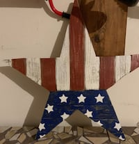 Red white and blue decor Edmond, 73003