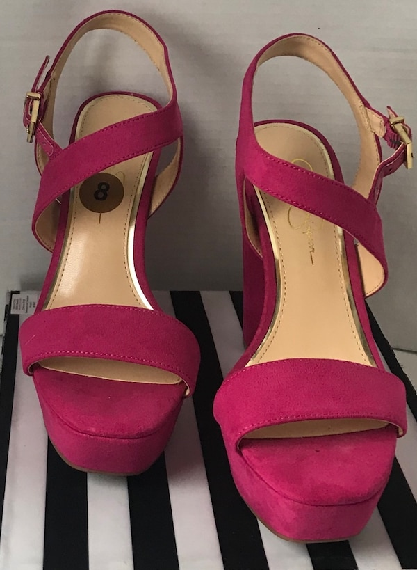 Jessica Simpson Fuscia heels size 8 Sold out! Rare
