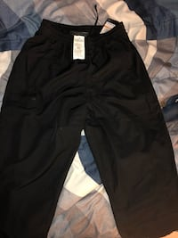 Under Armour pants sz small  Alexandria, 22303