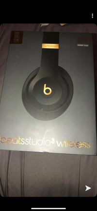 Brand new studio3 beats wireless (in the box) Toronto, M6N 2H4