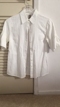 White Button-Up Blouse with Flared Short Sleeves South San Francisco
