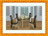 Glass dining table with 4 chairs Gaithersburg