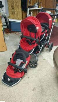 Double stroller with extra carry seat  Thurmont, 21788