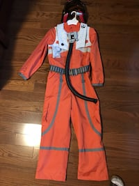 Star Wars Poe Dameron Costume. Kids size 9/10 from the Disney Store Newmarket, L3X 3H5