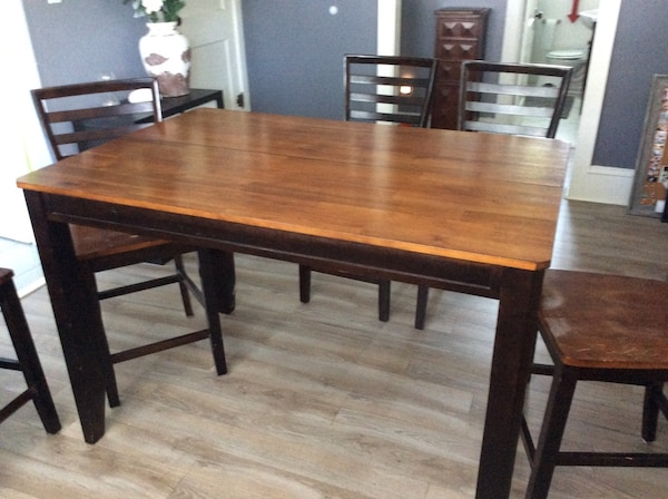 Used Ashley Furniture Hightop Kitchen Table And 6 Barstools Plus 1