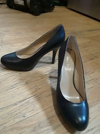 black leather round toe platform pumps Garden City, 67846