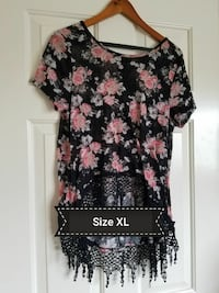 black, white and pink floral scoop neck cap sleeve top California, 92610