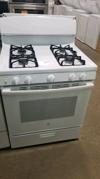 Ge natural gas Stove 30inches  Mastic, 11950