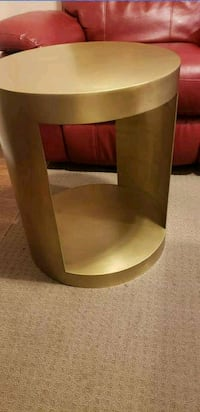 New antique brass end table Kitchener, N2P 1Y3