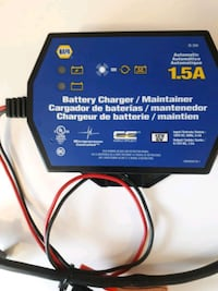 Trickle automotive battery charger